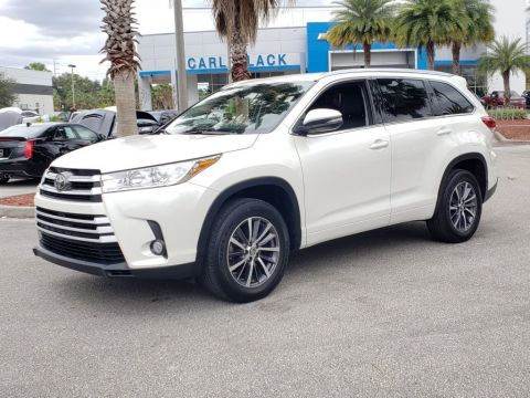 Pre-Owned 2017 Toyota Highlander XLE With Navigation